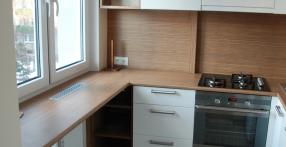 Valge kõrgläikeline köögimööbel