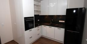 Väike valge köök