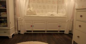 Romantilises stiilis voodi