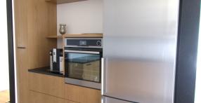 Tammespooni ja kõrgläikega köök (pilt 2)
