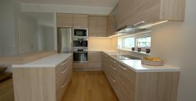 Kahevärviline köögimööbel